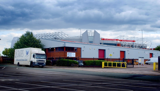 Pluscrates Rents New Depot from Manchester United